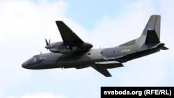 Самолет АН-26, на базе которого будет установлен новый навигационный комплекс