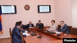 ԿԸՀ-ն արտահերթ նիստ է գումարում: 14-ը հունվարի, 2013թ.