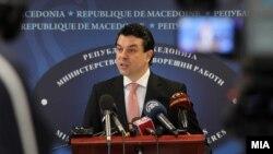Министерот Никола Поповски.