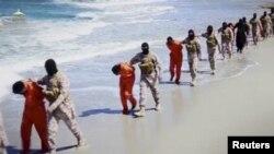 Liviyada İŞİD-çilərin əsir götürdüyü xristianlar, arxiv fotosu
