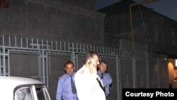 Polisin sözçüsü deyir ki, küçə davasında tutulan hakim koalisiya təmsilçiləri «siyasi diskussiya aparırdılar, amma yüksək səslə»