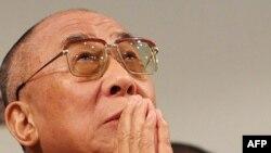 Далай-лама призвал тибетцев прекратить волнения