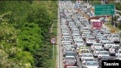 در آستانه عید سعید فطر شمار زیادی از مردم به سمت مشهد حرکت کردهاند