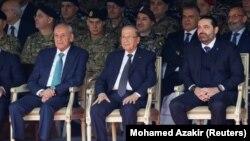 Predsednik Parlamenta Nabih Berri, predsednik Libana Michel Aoun i premijer u ostavci Saad al-Hariri na vojnoj paradi
