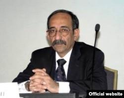 «.عبدالمنعم الجناحی: «دامنهای ده مایلی از لکه نفتی پشت این نفتکش قابل رویت بود