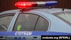 Міліцыя каля школы №2 у Стоўпцах пасьля двайнога забойства, 11 лютага 2019 году