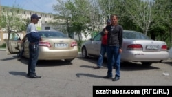 Maryly hususy taksiçiler (arhiw suraty)