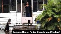 Після урагану в місті Дейтона-Біч, штат Флорида, 11 вересня 2017 року