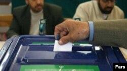 انتخابات روز ۲۴ آذرماه، به نوعی آزمونی عمده برای دولت محمود احمدی نژاد محسوب می شود.
