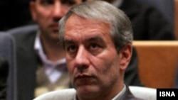 علی کفاشیان، رییس فدراسیون فوتبال ایران از ادامه مذاکره با خاویر کلمنته خبر داد.(عکس: ایسنا)