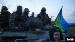 Ukrajinske snage u blizini Slovjanska u regionu Donjetsk, april 2014.