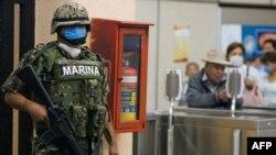 Мексика отбивается от эпидемии с применением всех сил и средств
