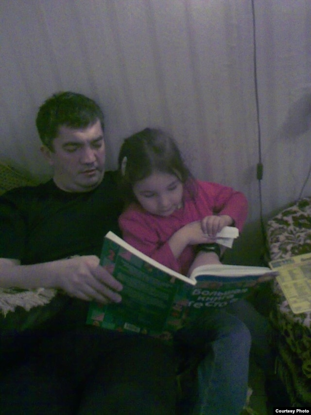 Anesthesiologist Marat Gunashev with his daughter