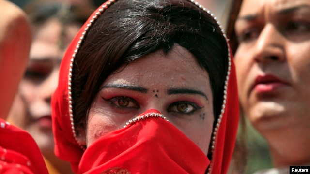 Members of Pakistan's transgender community face widespread discrimination.