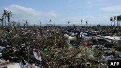Pamje pas tajfunit Haiyan, Filipine