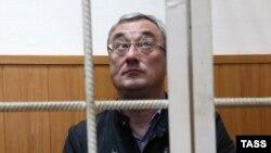 Вячеслав Гайзер в зале Басманного суда Москвы