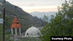 كنيسة في احدى بلدات غرب سوريا