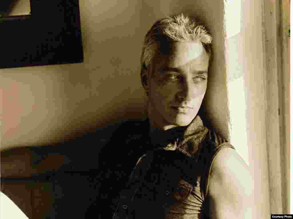 Фота -- Milan Josipovic. 2009 год.