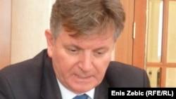 Mirza Kušljugić: Neuobičajena diplomatija