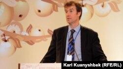 Майкл Манн, пресс-секретарь представителя Евросоюза по внешней политике Кэтрин Эштон. Алматы, 26 февраля 2013 года.