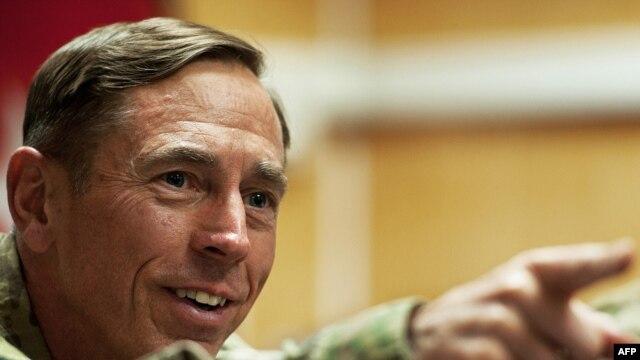 U.S. General David Petraeus  l2011