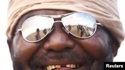 Один из ливийских повстанцев в городе Адждабия