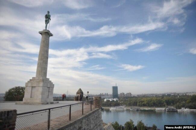 'Beograd jeste slovio kao liberalan grad. U Beogradu se nisu zabranjivale neke stvari koje su se drugde zabranjivale, ali su baš u njemu udarili na Slobodni univerzitet 1981. godine.'