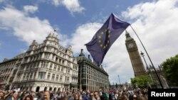 Marš za ostanak Britanije u EU, London, 2. jul 2016.