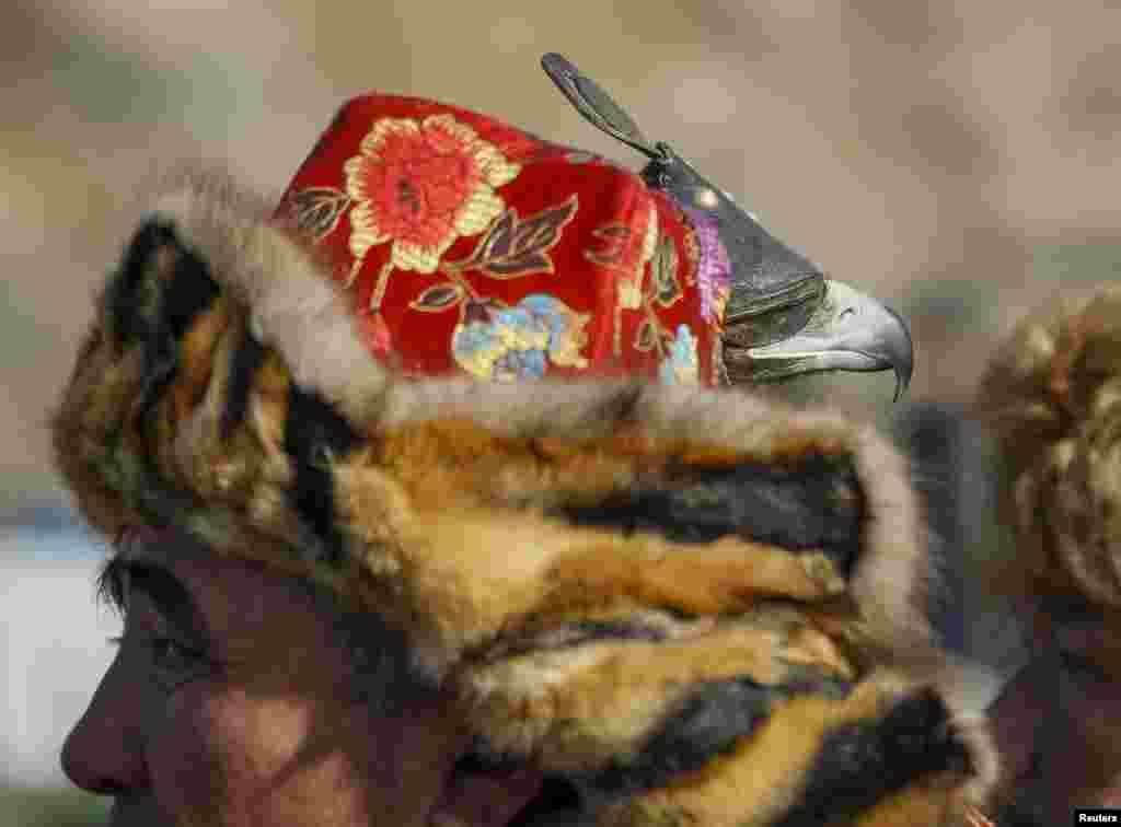 Людей, занимающихся тренировкой ловчих птиц, в Казахстане называют кусбеги.