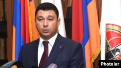 Armenia - Ruling Republican Party spokesman Eduard Sharmazanov at a news conference in Yerevan, 20Aug2015.