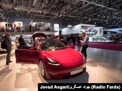 تسلا از شرکتهای پیشرو در تولید خودروهای برقی است