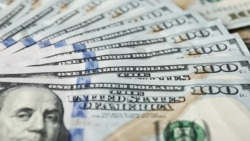 Türkmenistan daşary ýurtlarda raýatlaryň bank kartlaryndan 500 dollar nagtlaşdyrylmagyna rugsat berýär, ýöne hemmä däl
