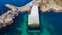 Во Норвешка отворен подводен ресторан