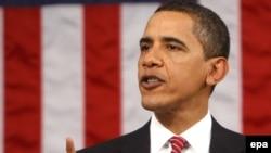 باراک اوباما به هنگام ايراد سخنرانی در برابر کنگره، واشنگتن، سهشنبه ۶ اسفند ۱۳۸۷
