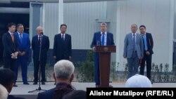 Президент Алмазбек Атамбаев на церемонии открытия ТЭЦ Бишкека после ее модернизации. 30 августа 2017 года.