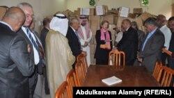 من مراسم تسليم 75 ألف كتاب للمكتبة العامة بقضاء شط العرب.