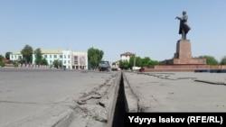 Центральная площадь города Ош на юге Кыргызстана. 11 мая 2018 года.