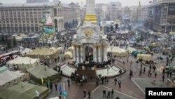 Pamje e qendrës së Kievit në Ukrainë gjatë demonstratave për afrim me BE-në