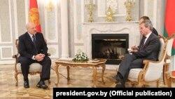 Аляксандар Лукашэнка і Гюнтэр Этынгер на сустрэчы ў Менску, 18 лютага 2019 году