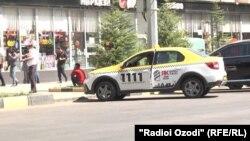 Таксӣ дар Душанбе яке аз нақлиёти серистифода ба ҳисоб меравад.