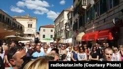 Kotorani ogorčeni odnosom nadležnih prema bezbjednosnoj situaciji u gradu; Foto sa protesta