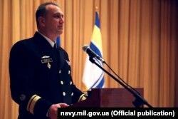 Контрадмірал Неїжпапа під час представлення особовому складу як командувача ВМС, червень 2020 року. Фото Служби зв'язків з громадськістю Командування ВМС ЗСУ