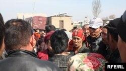 Бишкектин жанында 24-мартта өкмөт саясатына нааразы болуп адамдар көчөгө чыгышты