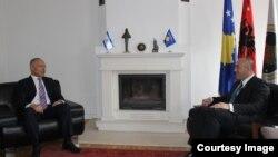 Kryetari i AAK-së, Ramush Haradinaj u takua me Ambasadorin e Izraelit në Beograd, Yossef Levy