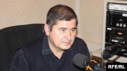 Тожик социал демократлари раҳбари Раҳматулло Зоиров Раштдаги амалиётларни мантиқсиз эканини айтмоқда.