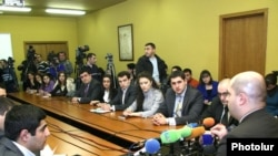 Armenia -- Minister of Education Armen Ashotian an a meeting with students, 9 Feb, 2010