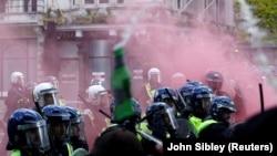 Sukobi demonstranata i policije u Londonu, 13. jun