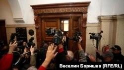 Заседанието на ВКС протече при засилен медиен и граждански интерес