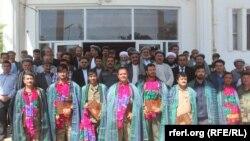 تعدادی از پیلوت های که از سوی مقامات جوزجان مورد تقدیر قرار گرفتند.