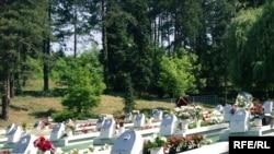 Grobnica ubijenih u tuzlanskom masakru, Foto: Maja Nikolić